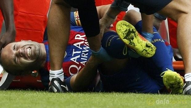 Andres Iniesta harus rehat karena cedera