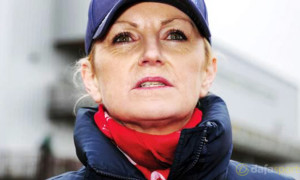 Trainer-Liz-Doyle-Horse-Racing