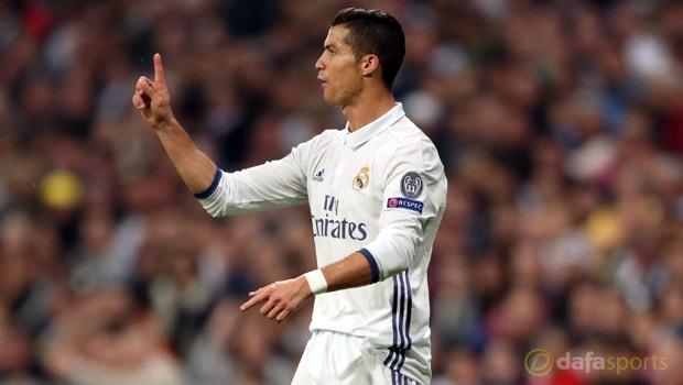 Cristiano-Ronaldo-Ballon-dOr-award