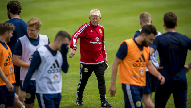 Strachan-urges-Scots-to-dig-in-for-Auld-Enemy-clash