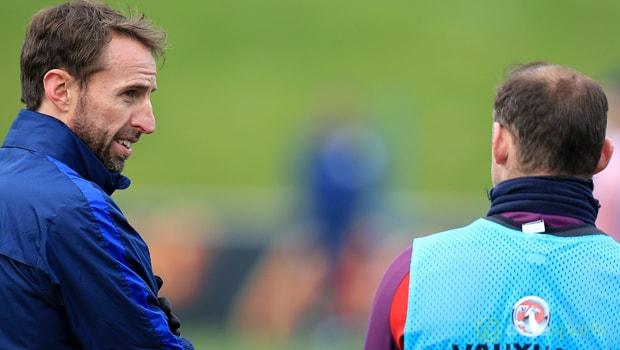 Gareth-Southgate-and-Wayne-Rooney-1