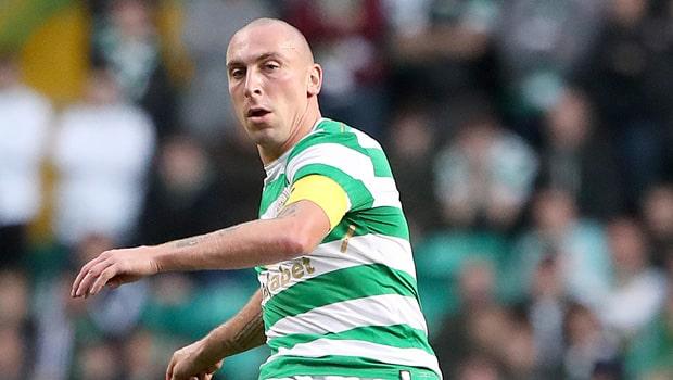 Generasi muda Celtic mendesak kapten klub Scott Brown untuk tetap tinggal